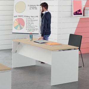 montaggio scrivania per ufficio
