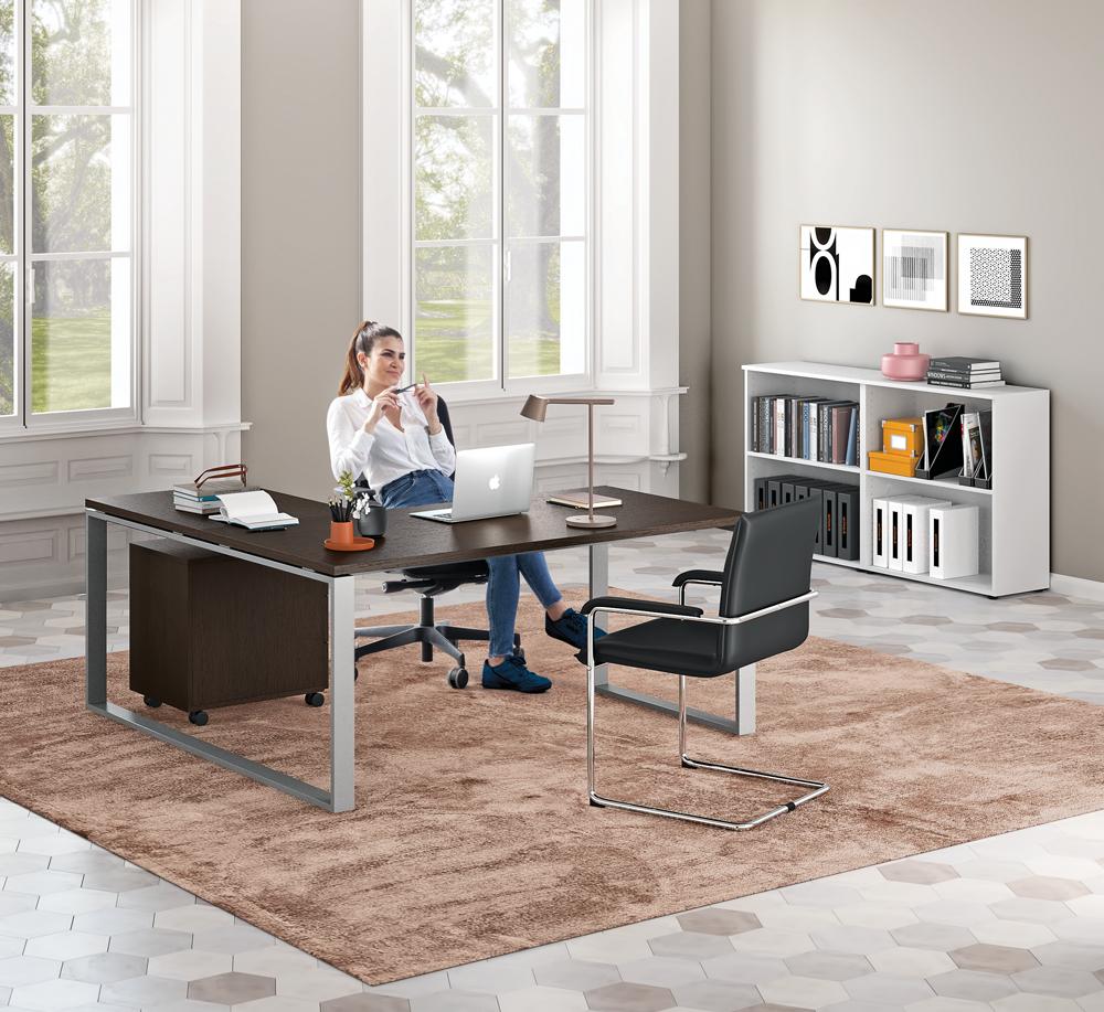 scrivanie-ufficio-per-donne