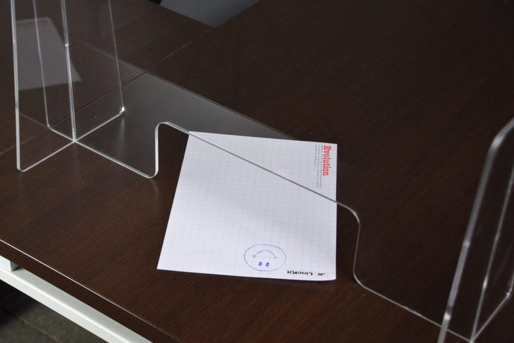 schermi-divisori-trasparenti-per-scrivanie